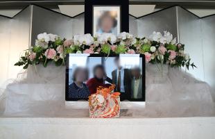 サンプラお別れ会花祭壇4